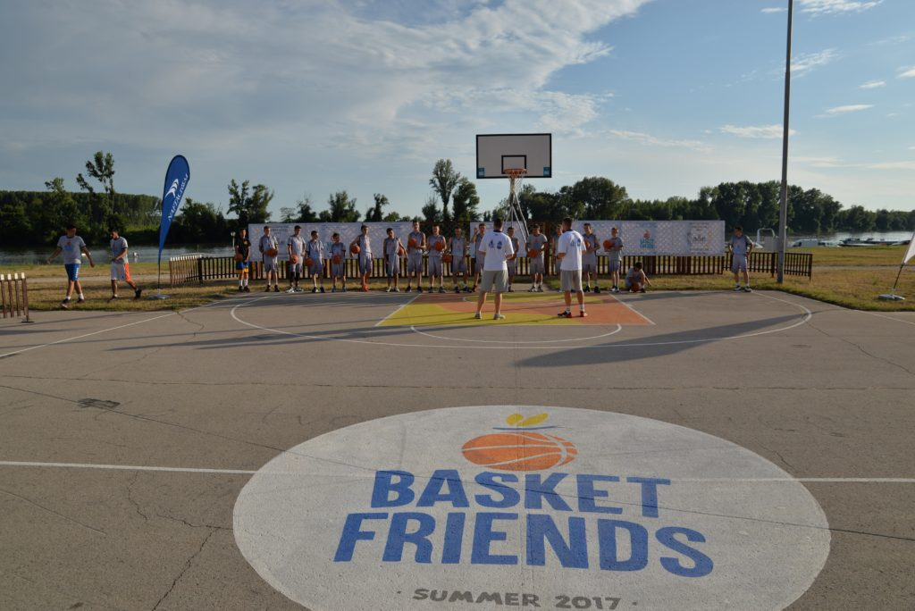 Basketfriends 2017. - trening na otvorenom terenu pored Tise