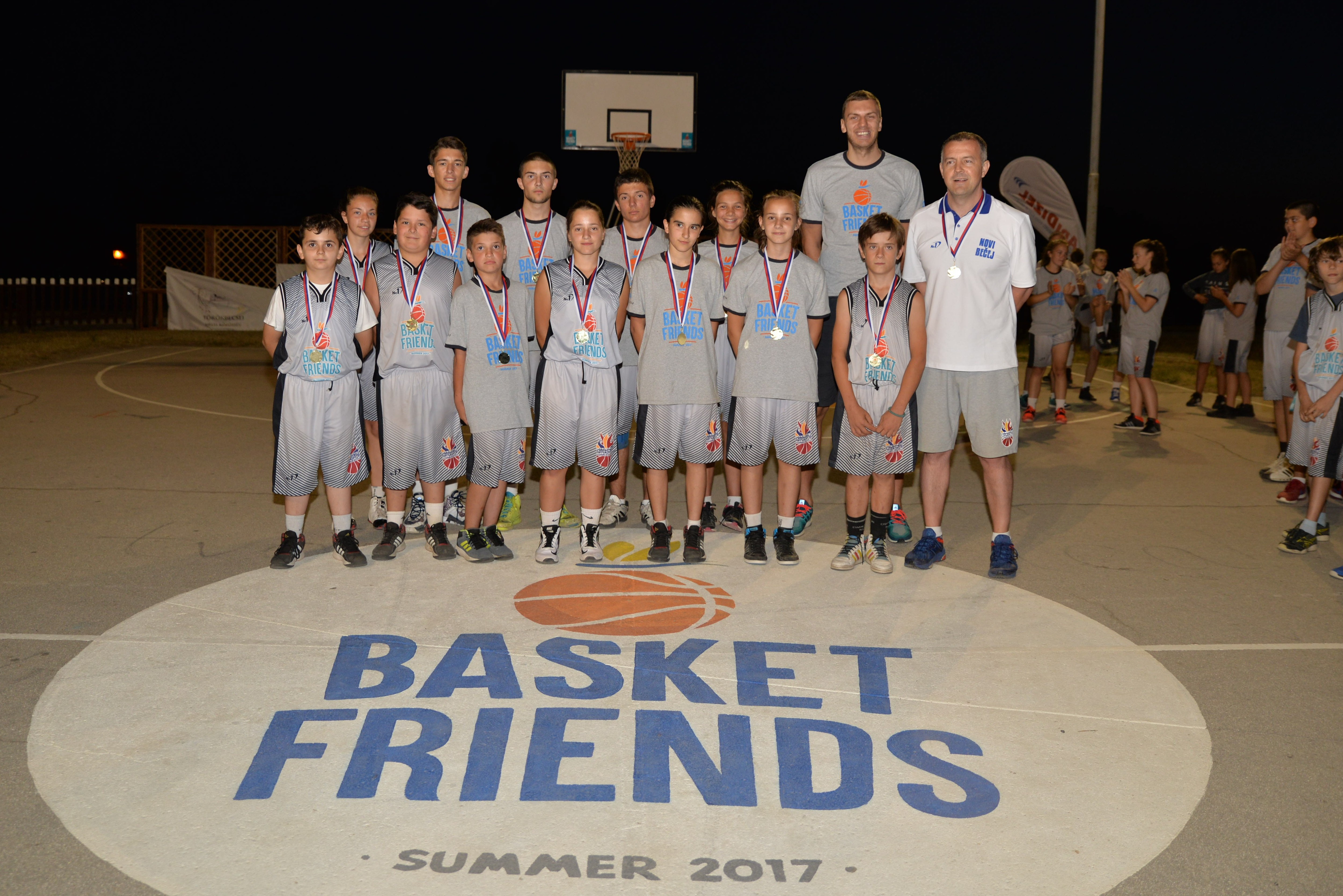 Basketfriends 2017. - Elmedin Kikanović sa pobedničkom ekipom