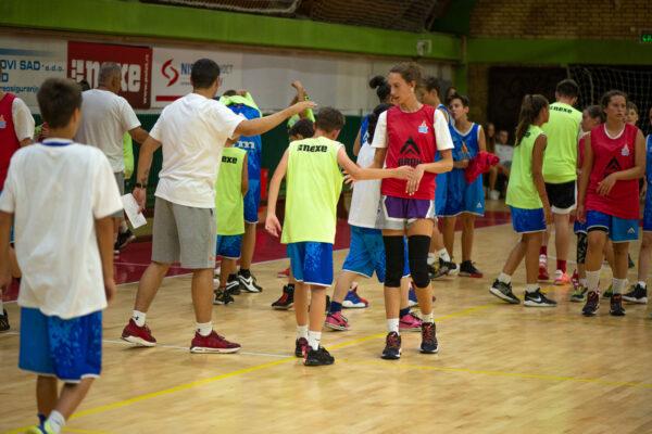 basket-friends-14